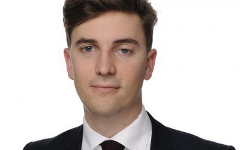 El abogado y criminalista Valentin Ribet de 26 años de edad trabajaba en el bufete Hogan Lovells, murió durante el atentado ocurrido en el Bataclán durante la presentación de un grupo de rock metal. La víctima se había graduado de London School of Economics. (Foto: www.telegraph.co.uk)