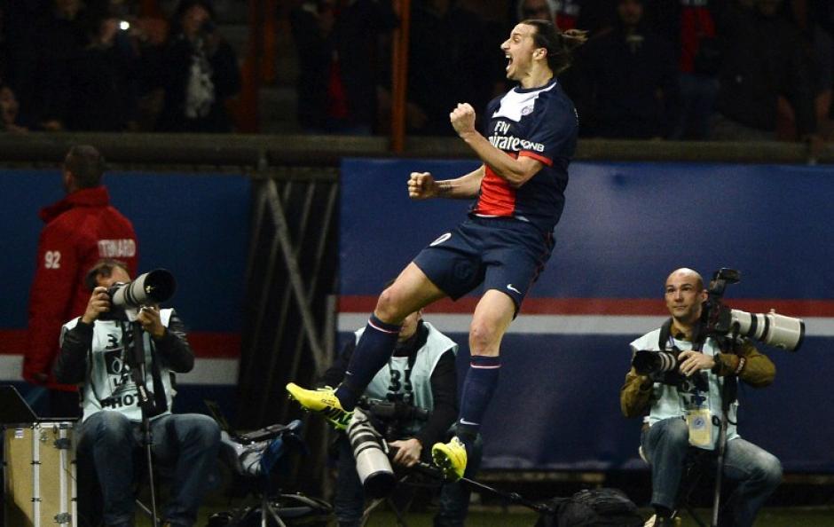 Ibra tiene varias temporadas de ser el mejor goleador de la Liga Francesa con el PSG. (Foto: AFP)