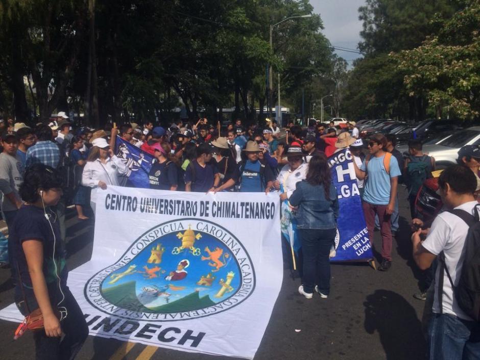 Los estudiantes de la Universidad de San Carlos participan del #ParoNacional en rechazo a Otto Pérez Molina. (Foto: Luis Barrios/Soy502)