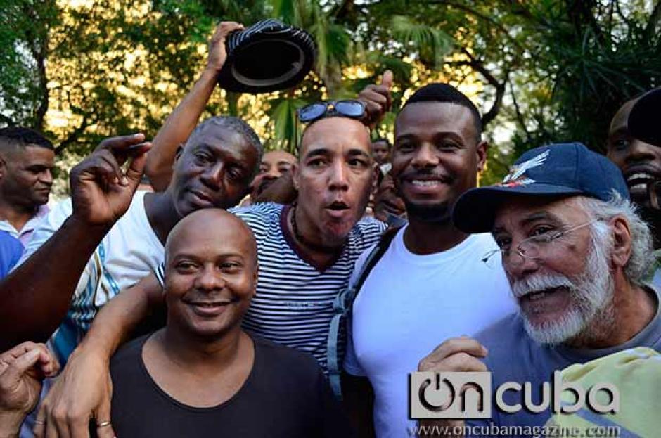 Ken Griffey y Barry Larkin conmocionan Cuba