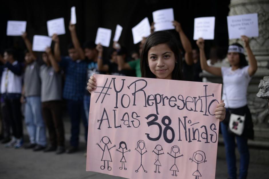 Los guatemaltecos indignados por la tragedia salieron a las calles. (Foto: Wilder López/Soy502)