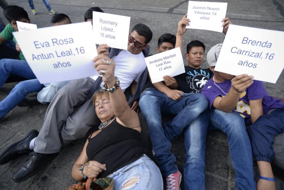 Las personas exigen justicia por las hasta ahora 38 muertes. (Foto: Wilder López/Soy502)