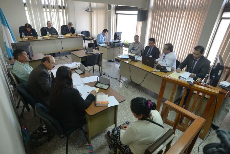 La diligencia se desarrolla en el Tribunal Décimo Penal. (Foto: Wilder López/Soy502)