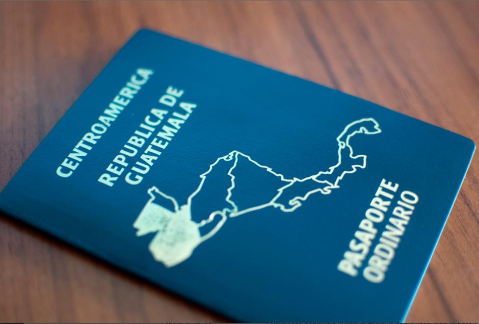 Migración podrá adquirir 500 mil pasaportes sin licitar. (Foto: Archivo/Soy502)