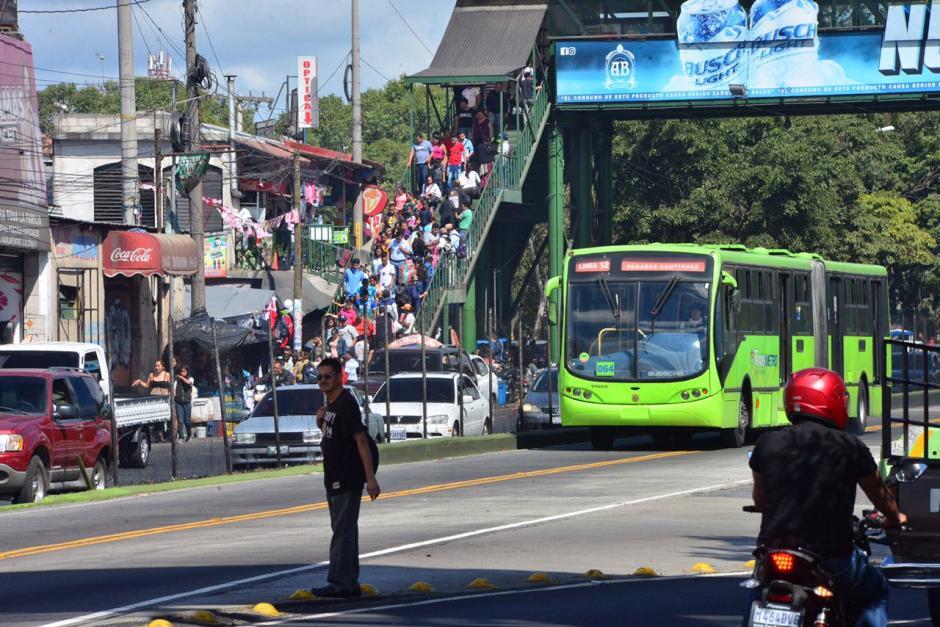 Los mercados y sus alrededores tienen alta afluencia de personas. (Foto: Jesús Alfonso/Soy502)