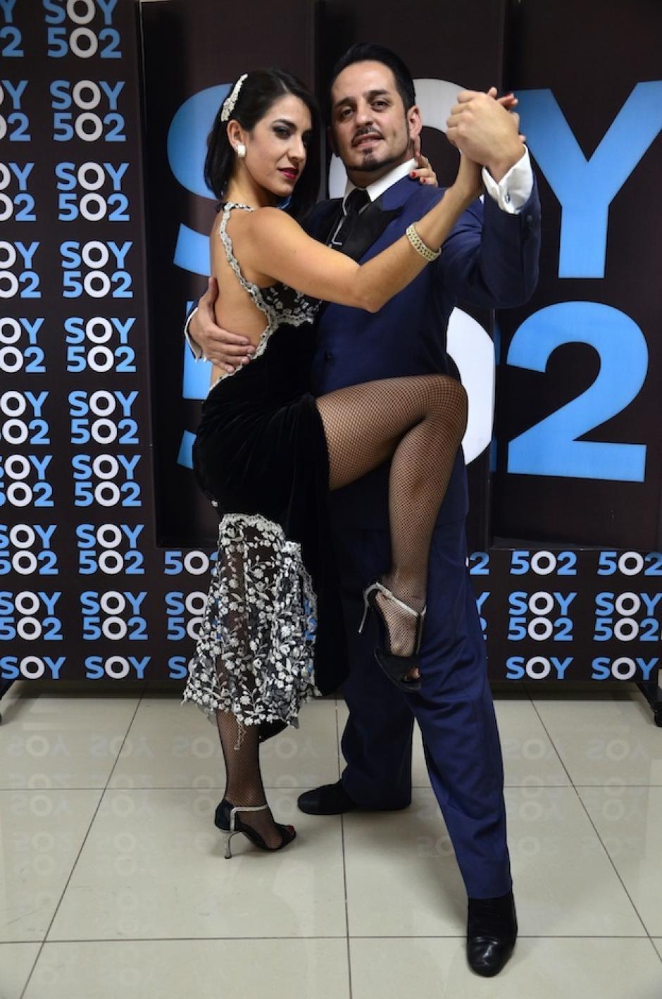 Los bailarines nos muestran un poco de la cultura argentina con su presentación. (Foto: Selene Mejía/Soy502)