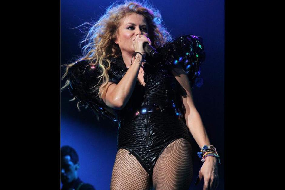 Su vestuario le jugó una mala pasada a Paulina durante una presentación en el Staples Center. (Foto: elheraldo.hn)