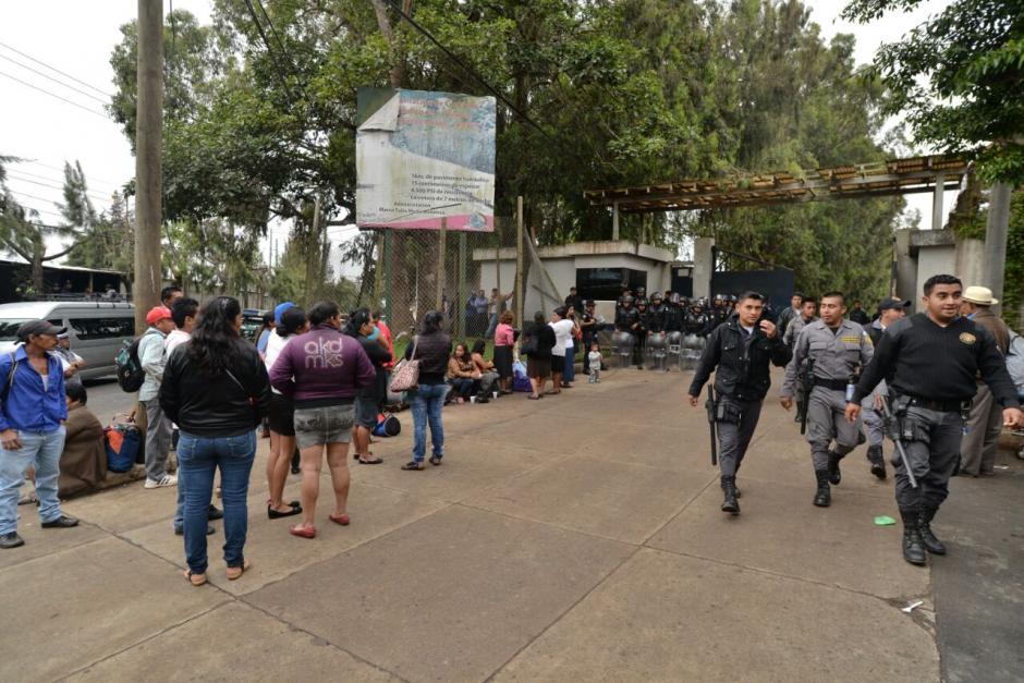Las autoridades buscan ilícitos en el interior de la cárcel. (Foto: Wilder López/Soy502)