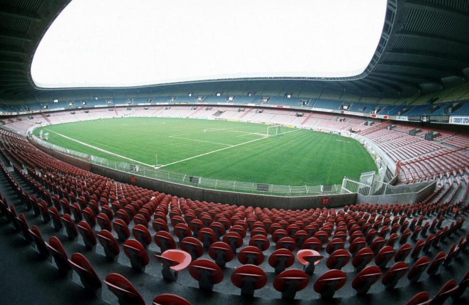 El estadio Parc des Princes está ubicado en París. (Foto: cafefootball.eu)