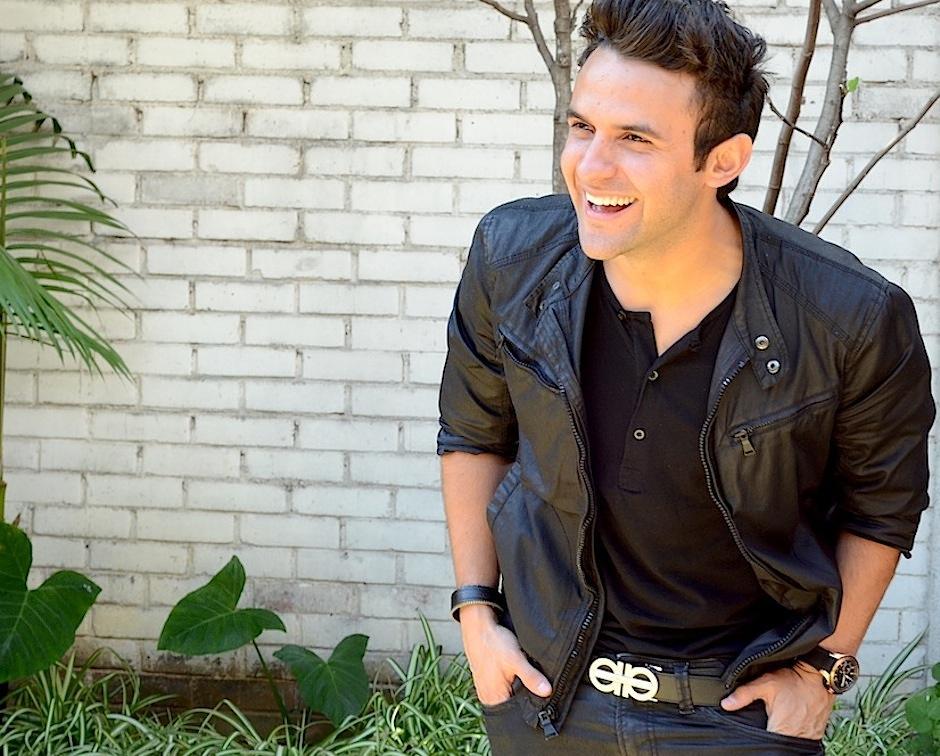 """Carlos Peña reside en Los Ángeles, California, donde compone canciones para la firma """"Peermusic"""" junto a su hermano Hugo. (Foto: Selene Mejía/Soy502)"""