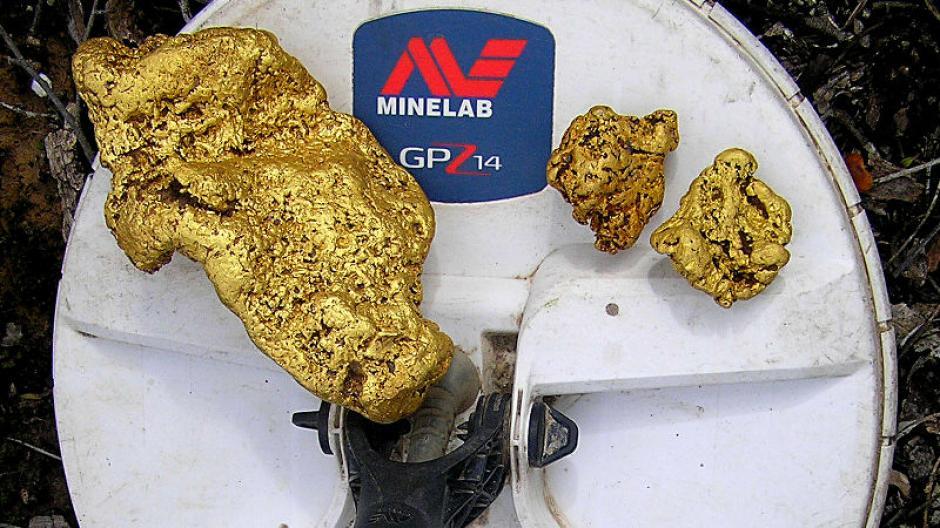 La pepita de oro de 9 libras de peso fue localizada gracias a un detector de metales. (Foto: gizmodo.com)