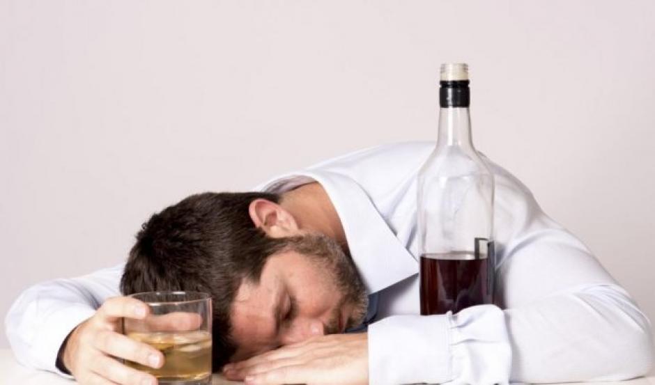 Las pérdidas de conocimiento por el consumo de alcohol son frecuentes. (Foto: Diario Uno)