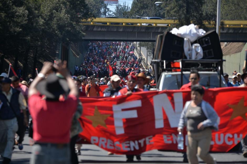 Los sindicalistas exigen que algunos contratos sean restablecidos. (Foto: Wilder López/Soy502)