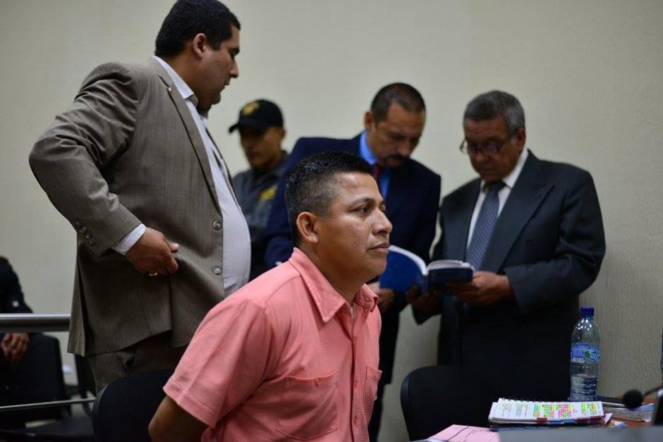 El acusado de agresión a periodistas intenta que lo dejen en libertad. (Foto: Wilder López/Soy502)