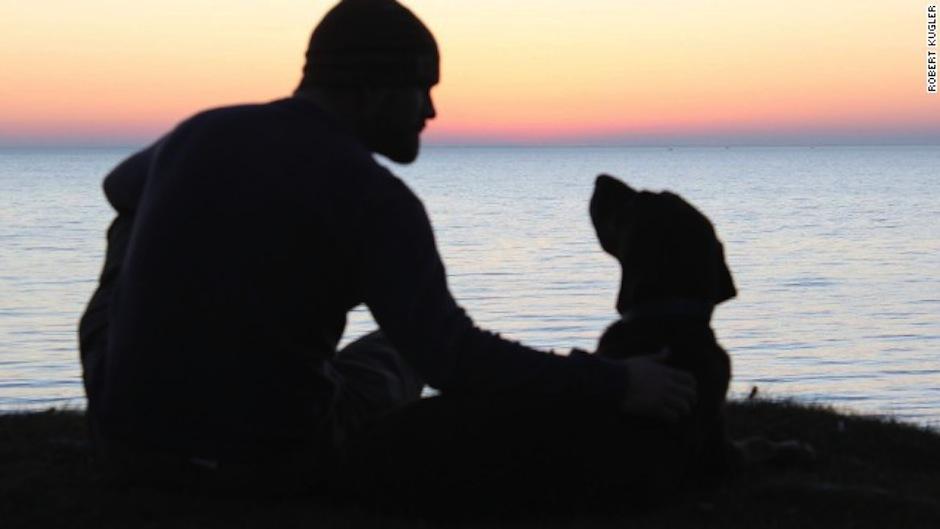 Este veterano de la marina estadounidense no para de viajar con su compañera. (Foto: Robert Kubler)
