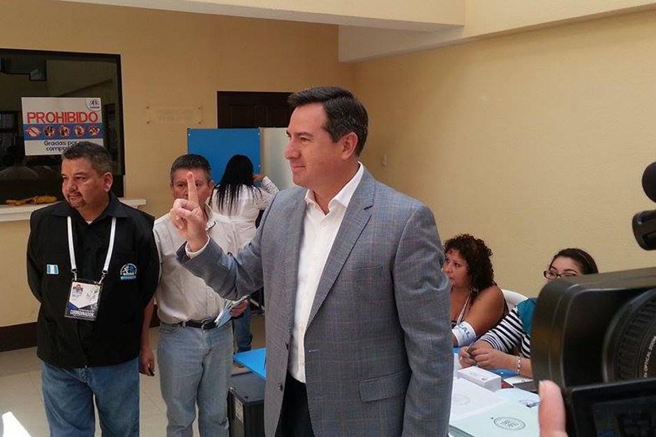 Candidato a la presidencia por el partido PRI, Luis Fernando Pérez.