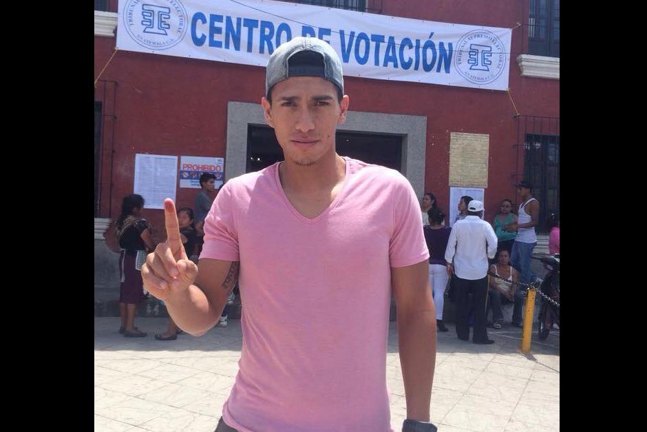 Lateral de Comunicaciones Rafael Morales votó en Jocotenango, Sacatéquez