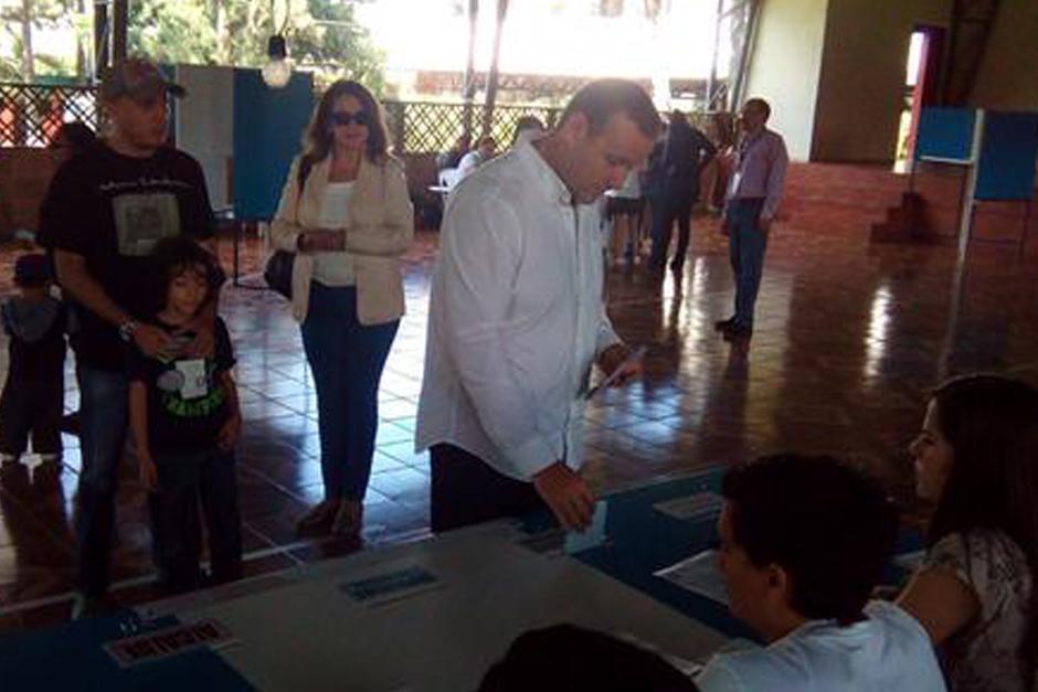 Medallista de bronce en Panamericanos, Enrique Brol, votó en Centro Recreativo de Finanzas