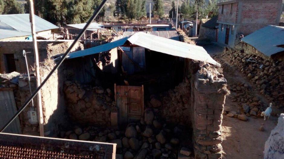 Según los primeros reportes 40 personas resultaron damnificadas y 40 viviendas inhabitables. (Foto: @SkyAlertMx)