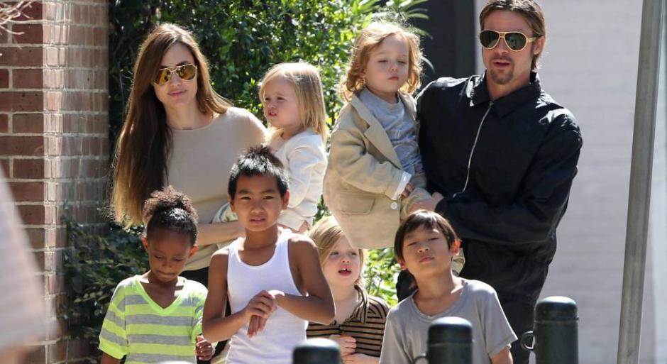 Jolie quiere que las autoridades vigilen a su exesposo cuando esté a cargo de los niños. (Foto: Peru21)