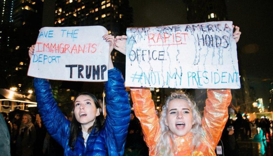 Muchos jóvenes están en contra de los comentarios de Donald Trump. (Foto: Peru.com)