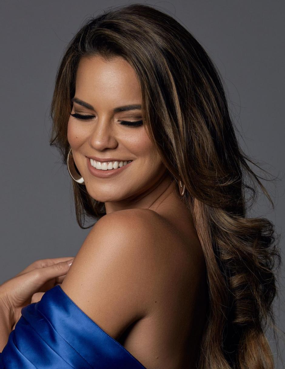 Otra latina que brilló en el certamen fue Valeria Piazza, Miss Perú. (Foto: Twitter/Miss Universe)
