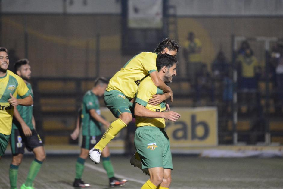 El uruguayo Adrián Apellaniz anotó doblete ante Guastatoya. (Foto: Nuestro Diario)