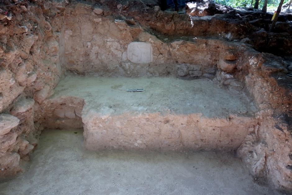 """Se encotró una estela """"muy bien conservada"""" del siglo V, en el período clásico maya. (Foto: Cortesía Ministerio de Cultura)"""