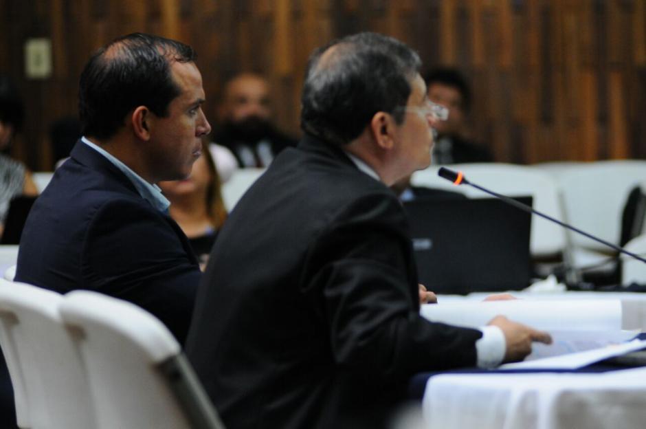 El abogado Lisandro de Jesús ejerce la defensa de Pezzarossi. (Foto: Alejandro Balan/Soy502)
