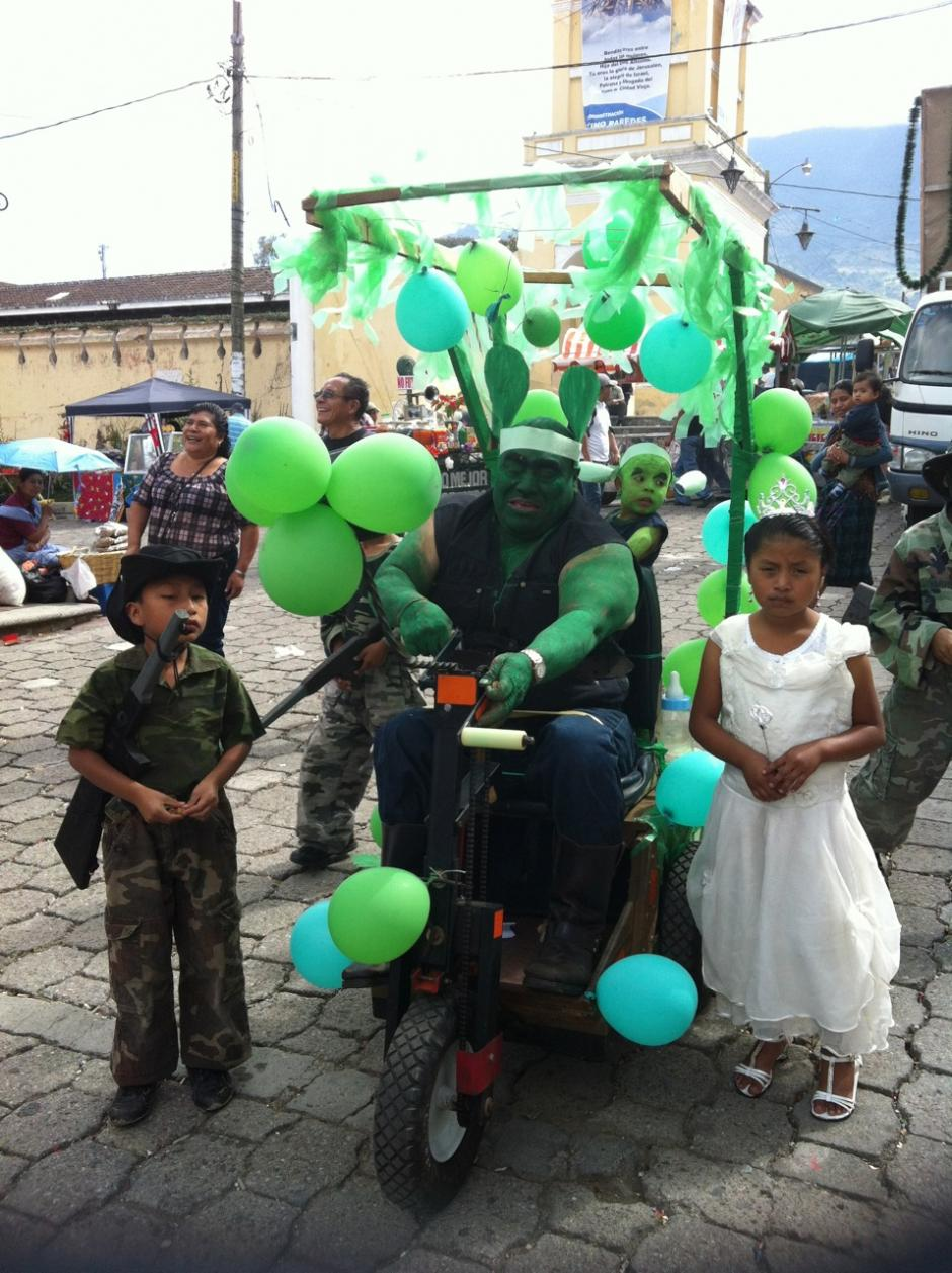 Los niños son parte importante del convite. Foto Dina Fernández/Soy502