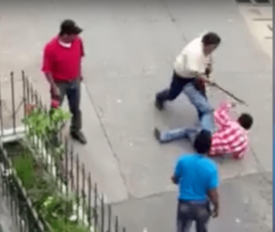 Obtener más pasaje habría sido la causa de la pelea. (Foto: captura de pantalla/YouTube)