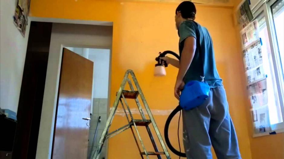 Existe un riesgo directo entre la ocupación de pintor y el cáncer de vejiga y la leucemia. La causa principal es la exposición al benceno.(Foto: Google)