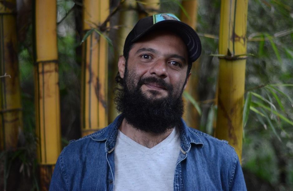 Giovanni es artista visual, poeta y músico. (Foto: Selene Mejía/Soy502)