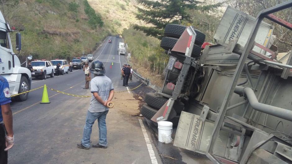 El tráfico es complicado por las diligencias legales. (Foto: Dalia Santos/Tránsito PNC)