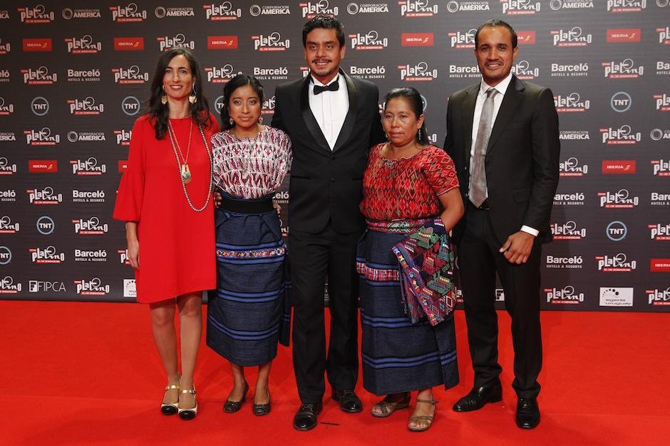Los guatemaltecos en la alfombra roja. (Foto: Juan Ignacio Mazzoni/EFE)