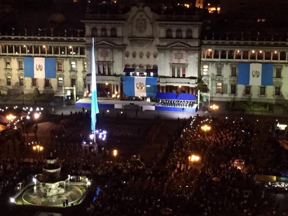 La Plaza Central de la Constitución se vistió de gala para conmemorar el 194 años de Independencia. (Foto: Soy502)