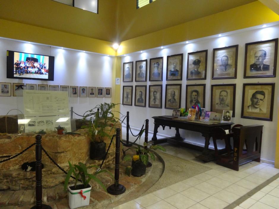 El Museo de la PNC muestra una colección de piezas de la Sala Histórica de la Policía Nacional Civil que exhibe uniformes, escudos, bustos, entre otras la pieza más antigua en exposición es de 1,878. (Foto: Musac)
