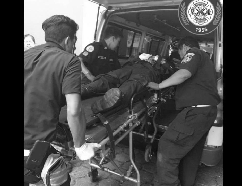 El accidente de tránsito ocurrió en la zona 7 capitalina. (Foto: Bomberos Municipales)