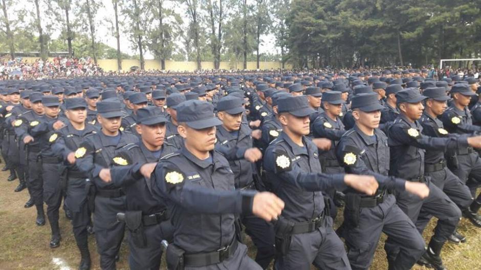 Los nuevos agentes se incorporan a los operativos de seguridad ciudadana. (Foto: PNC)