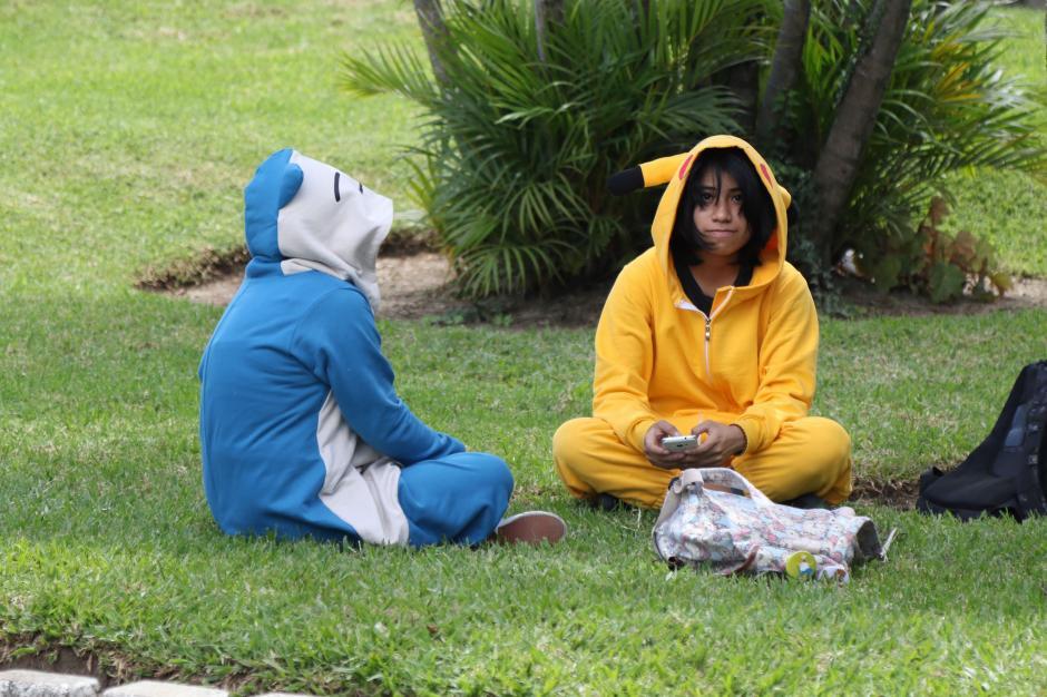 Los seguidores de la serie japonesa se disfrazaron de sus monstruos favoritos. (Foto Alejandro Balán/Soy502)