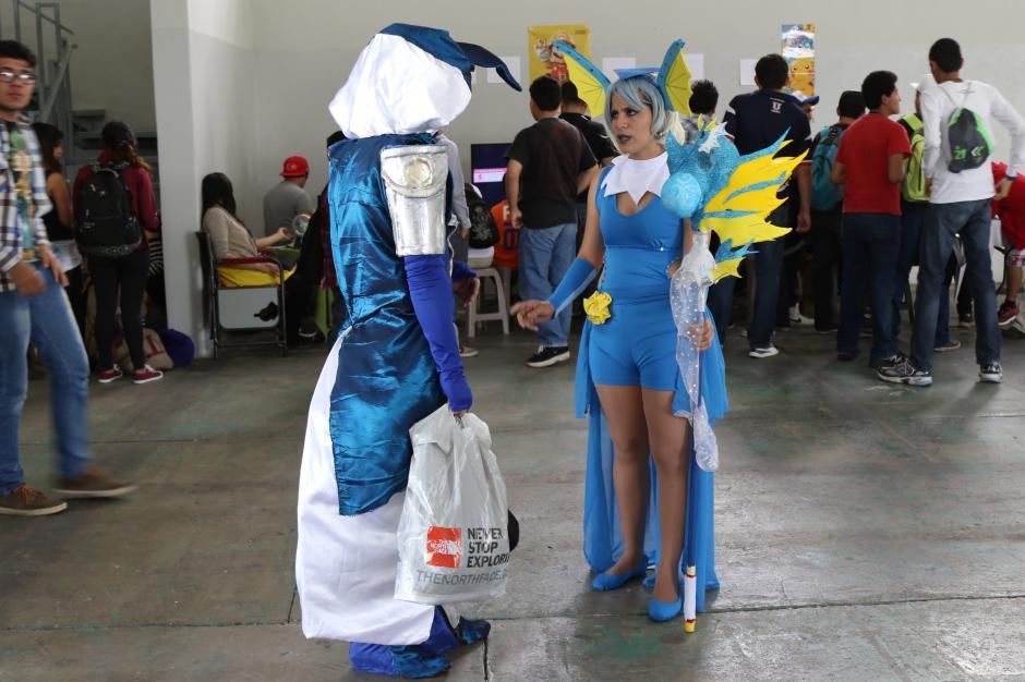 Los cosplayers aprovecharon la convención para mostrar sus trajes de otros personajes de animé. (Foto Alejandro Balán/Soy502)