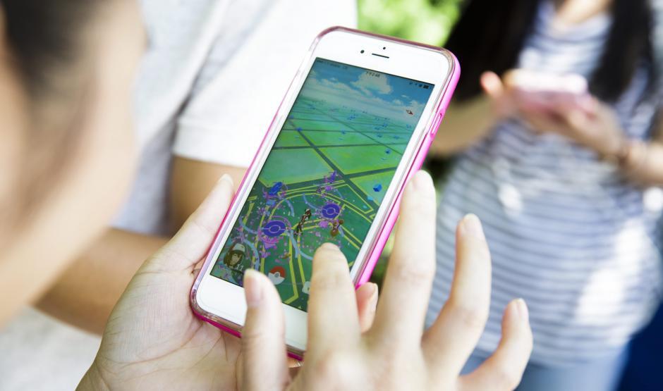 Detalle del videojuego 'Pokemon Go' en un teléfono inteligente en Union Square en Nueva York. (Foto: EFE/Justin Lane)