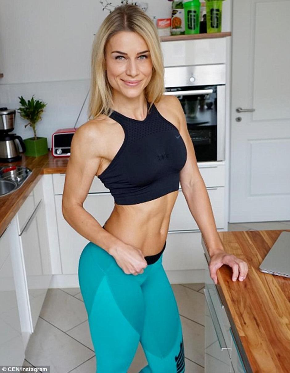 Adrienne Kolesza comparte fotos y tips para mejorar la figura. (Foto: Instagram/Adrienne Kolesza)