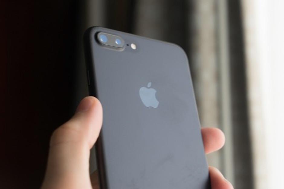 El color mate fue una de las novedades en el lanzamiento del dispositivo. (Foto: El Mundo)