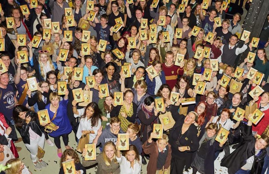 El nuevo libro de Harry Potter ha sido todo un éxito en España y diversos países de habla hispana. (Foto: EFE)