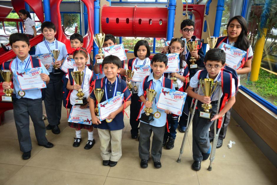 En la fotografía se muestran a los ganadores de las diferentes categorías. (Foto: Jesús Alfonso/Soy502)