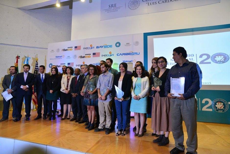 Este es el grupo de periodistas de distintos medios de comunicación distinguidos. (Foto: Wilder López/Soy502)