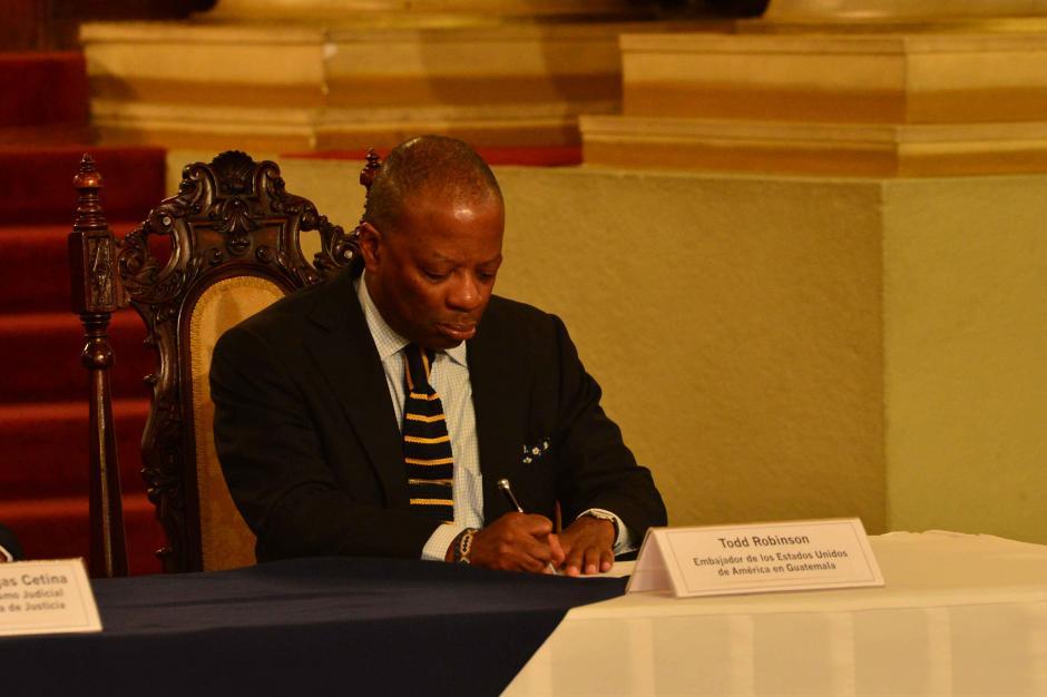 El embajador de los Estados Unidos Todd Robinson, asistió al acto. (Foto: Jesús Alfonso/Soy502)