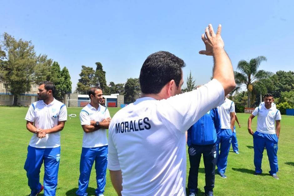 La camisola del mandatario lleva su apellido en la espalda. (Foto: Jesús Alfonso/Soy502)