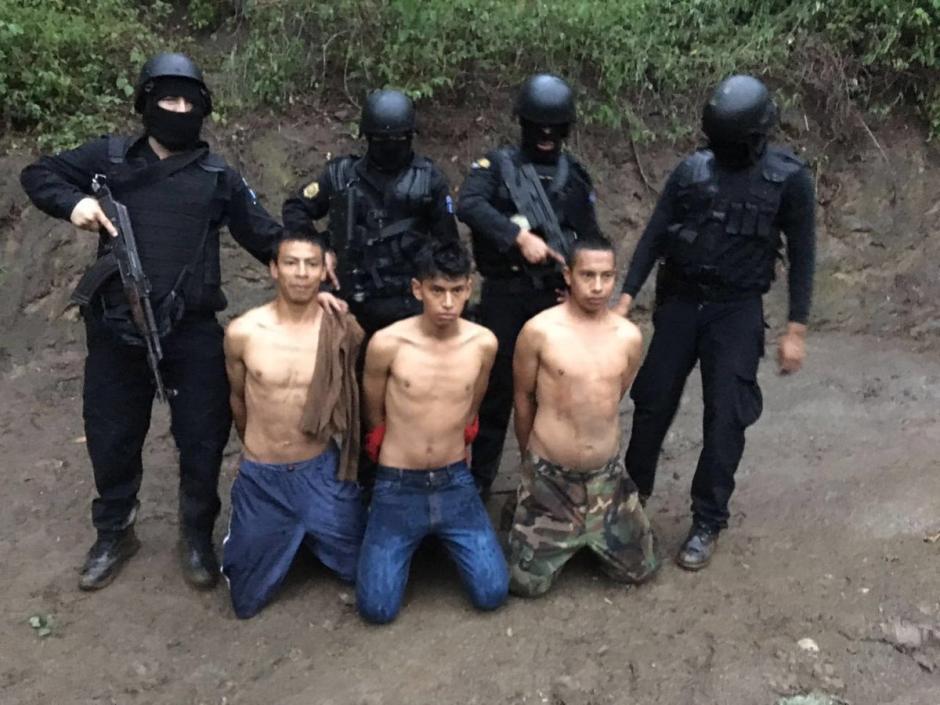 Tres presuntos secuestradores fueron detenidos en El Progreso. (Foto: @PNCdeGuatemala)